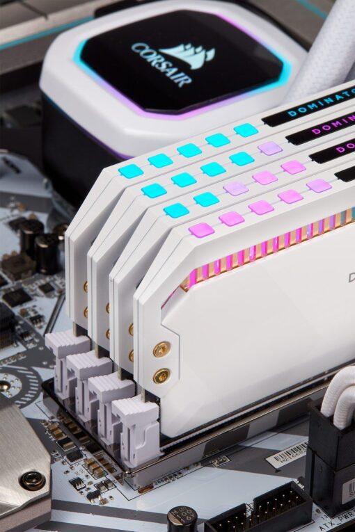 CORSAIR DOMINATOR PLATINUM RGB Memory Kit White 4