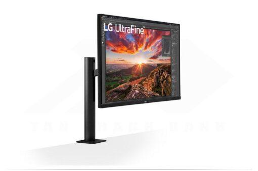 LG UltraFine 32UN880 B Monitor 3